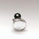 Bílé zlato s tahitskou perlou a brilianty